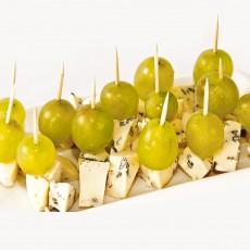 Sūrio užkandėlė su vynuogėmis Vilnius-Kaunas automagistralė